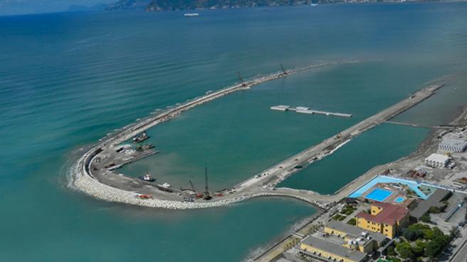 marina-d-arechi-porto-salerno-figli-delle-chiancarelle