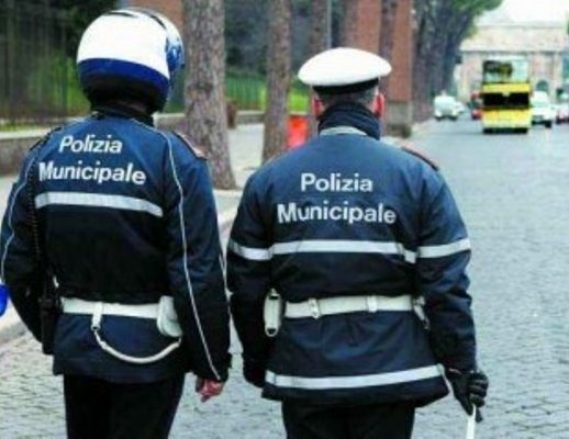 polizia-municipale-vigili-urbani-01